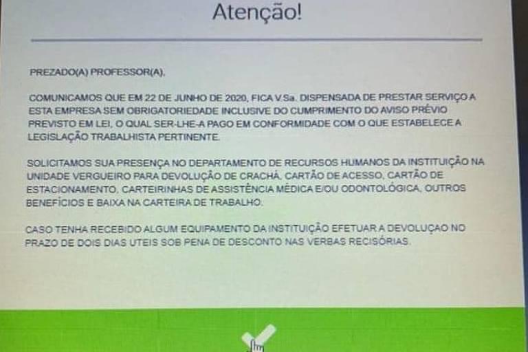 Tela de computador mostra texto em que demissão é comunicada a funcionários da Uninove