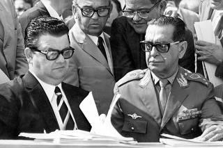 O ministro Antonio Delfim Netto e o general Presgrave