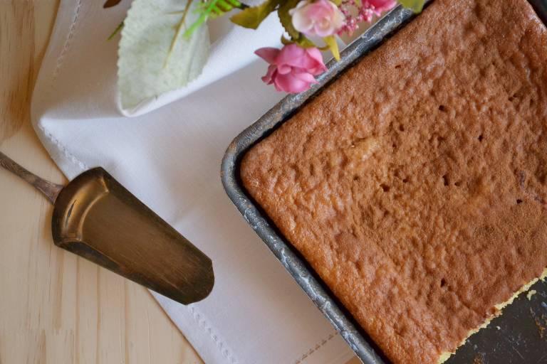 Aprenda a fazer bolo fofo de canela
