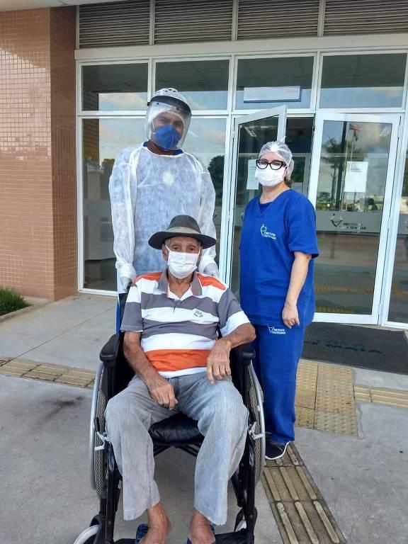 Pedro tem 93 anos e passou 23 dias internado por causa da Covid-19. Ele teve alta no dia 14 de junho