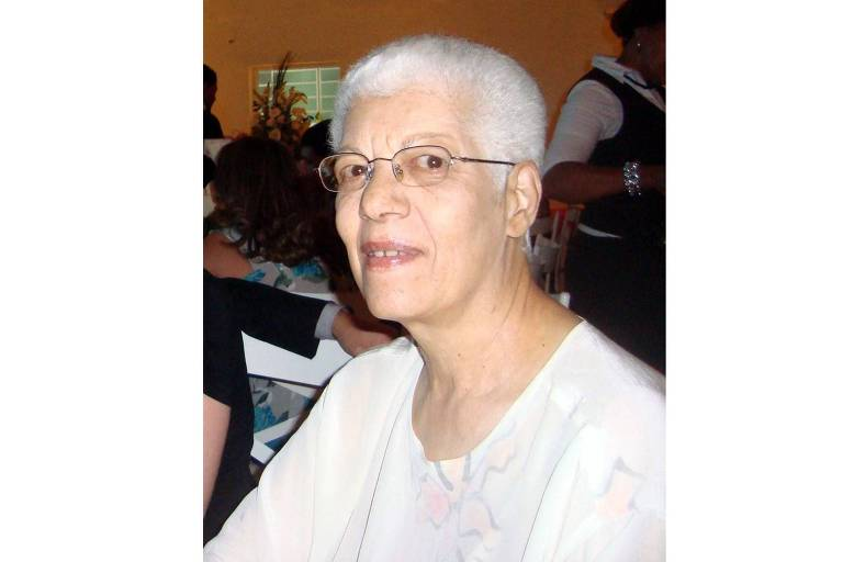 A escritora Lucienne Samôr, em foto de 2016. Ela morreu em 22 de junho de 2020, aos 79 anos, em Conselheiro Lafaiete (MG).