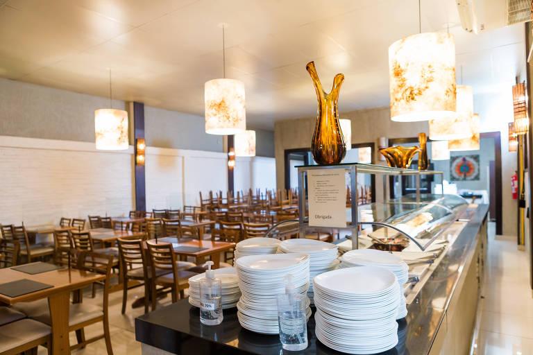 Bares e restaurantes já estão fazendo adaptações para a reabertura na próxima segunda-feira