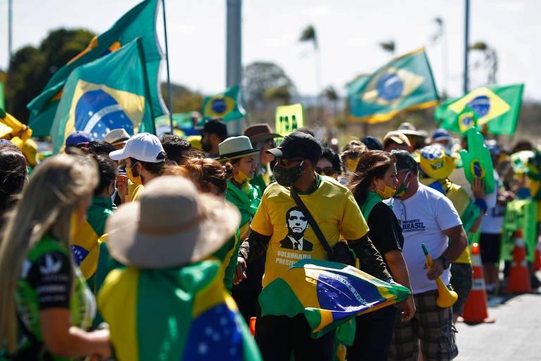 Apoiadores do presidente Jair Bolsonaro participam de protestos com pautas antidemocráticas em Brasília