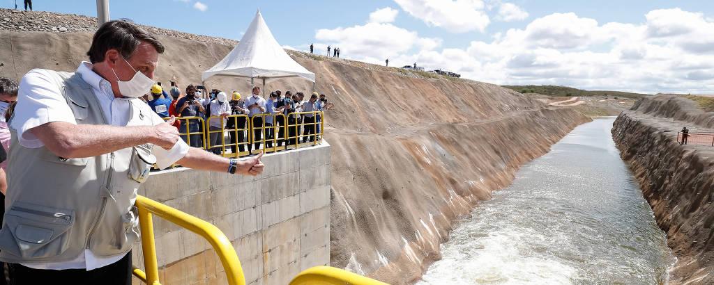 O presidente Jair Bolsonaro, ao inaugurar trecho do eixo norte da transposição do Rio São Francisco