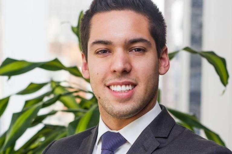 Nicolas Paiva Advogado especialista em direito imobiliário, é sócio de Silveiro Advogados