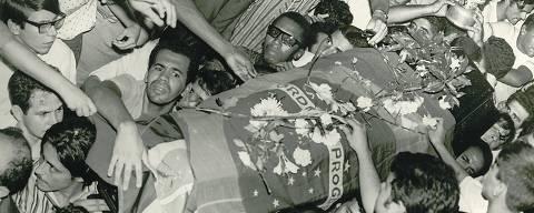 Enterro do estudante Edson Luís.Arquivo Nacional, Correio da Manhã, PH FOT 00554.005.v (Foto: Arquivo Nacional/Correio da Manhã)