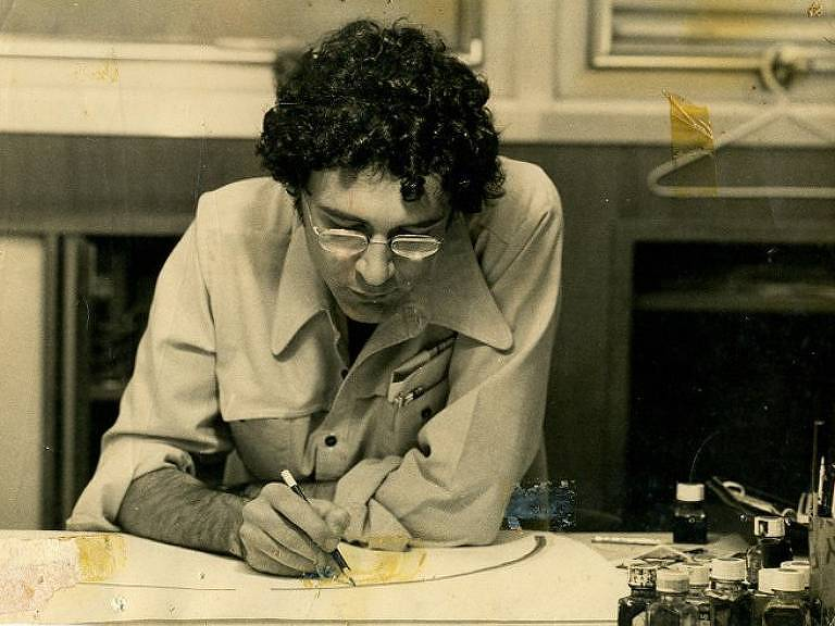 O cartunista Bruno Liberati