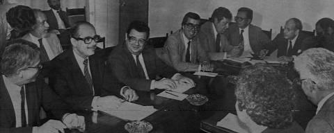 BRASÍLIA, DF, BRASIL, 00-02-1981: Ernane Galvêas, ministro da fazenda, Delfim Netto, ministro da Secretaria do Planejamento e o economista Carlos Geraldo Langoni, durante reunião com o Banco Mundial, em Brasília (DF). (Foto: Folhapress)