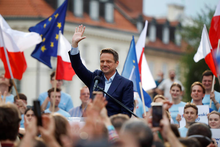 O prefeito de Varsóvia e candidato à Presidência da Polônia, Rafal Trzaskowski, durante comício