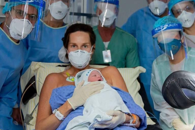 Mariana Weickert dá à luz após ter contraído coronavírus