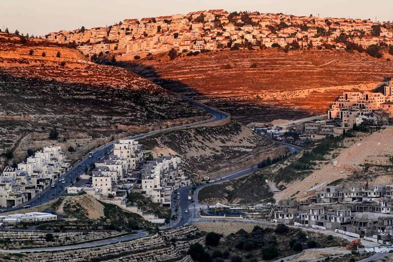 Assentamento israelense de Givat Zeev, próximo a Ramallah, na Cisjordânia
