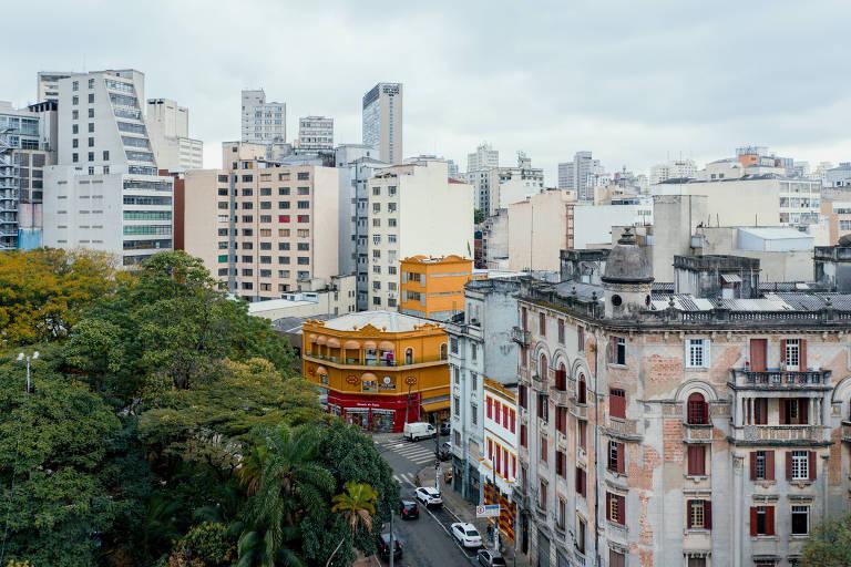 Região do Terminal Parque Dom Pedro destacada em amarelo, cor da campanha da Folha pela democracia, em destaque
