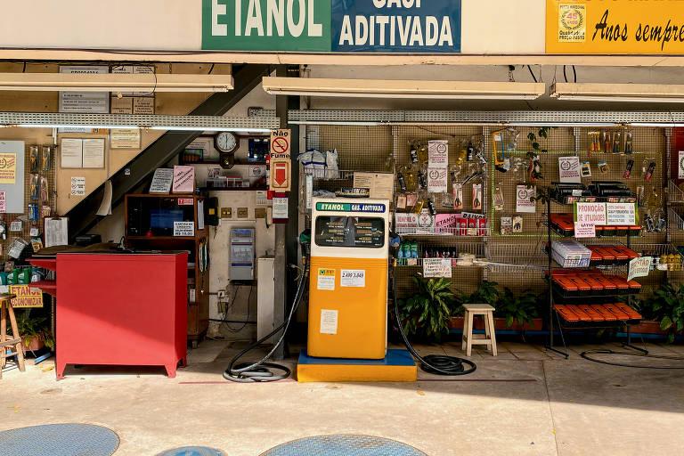 Combustível e alimentos puxaram a inflação em junho, segundo IBGE