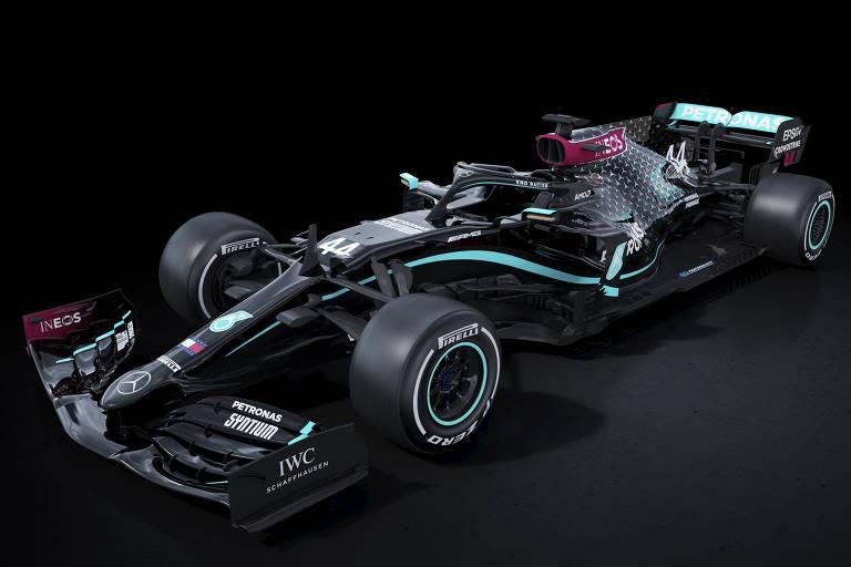 Escuderia de Lewis Hamilton, Mercedes apresentou seus novos carros na cor preta em campanha antirracista