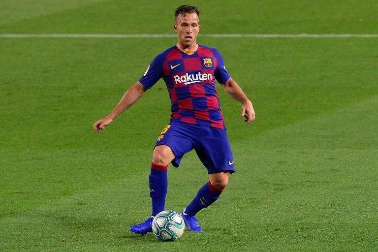 Arthur chegou em 2018 ao Barcelona e disputou 72 jogos pelo clube