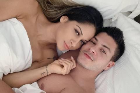 Mayra Cardi com Arthur Aguiar