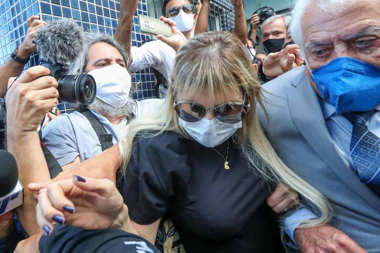 Sarí Côrte Real vai à delegacia de Santo Amaro, no centro do Recife, para prestar depoimentos sobre a morte do menino Miguel