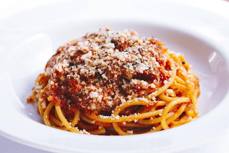 Espaguete à matriciana da Tappo Trattoria