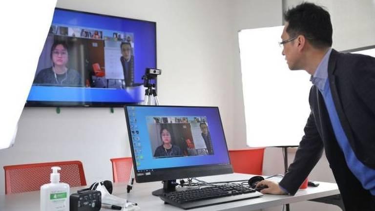 As empresas que prestam serviços de teleconferência, saúde e educação online foram beneficiadas