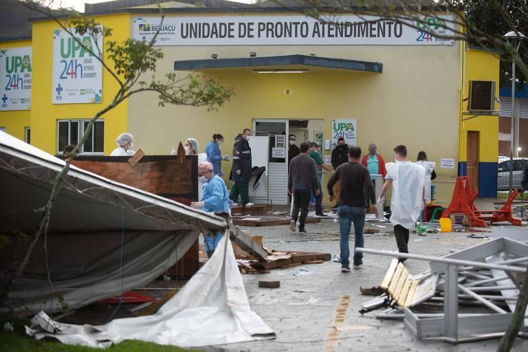 Unidade de saúde que teve danos por conta do vendaval em Biguaçu (SC)