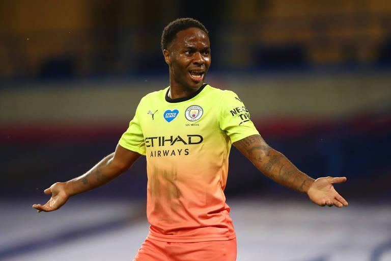 Raheem Sterling, do Manchester City, é uma das principais vozes do futebol inglês contra o racismo