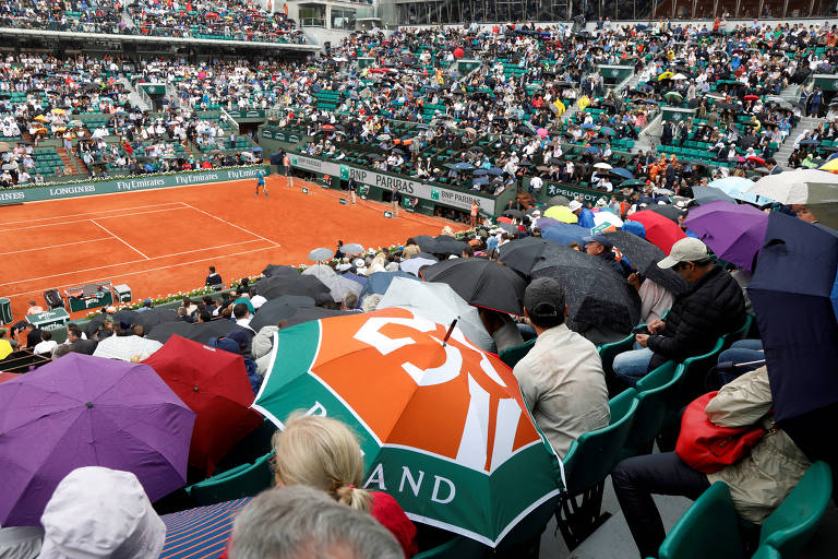 Público assiste a jogo de Roland Garros em 2018