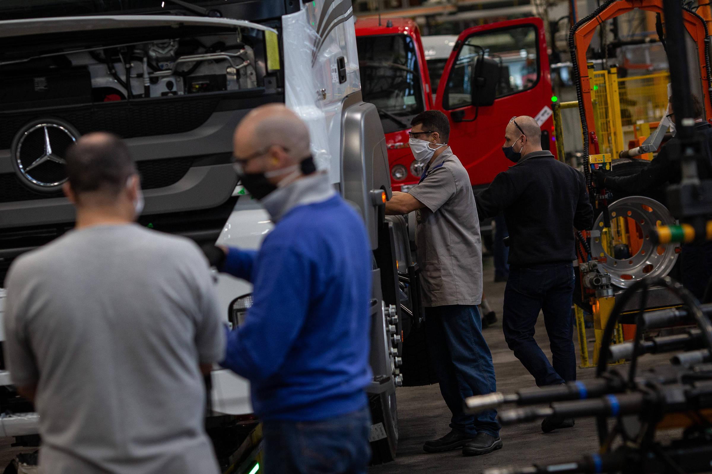 Preço de veículos deve subir com alta da energia
