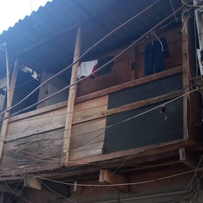 Casa de onde um jovem de 18 se jogou, na Favela do Moinho