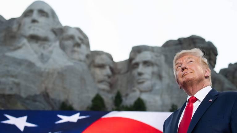 Trump chega ao monte Monte Rushmore para comemoração da independência americana
