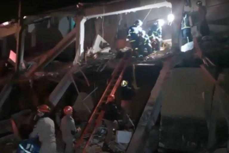 Cinco pessoas da mesma família ficam feridas após prédio desabar, em Colombo
