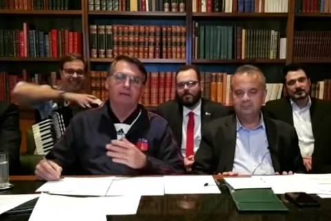 Transmissão ao vivo do presidente Jair Bolsonaro na quinta-feira (2)