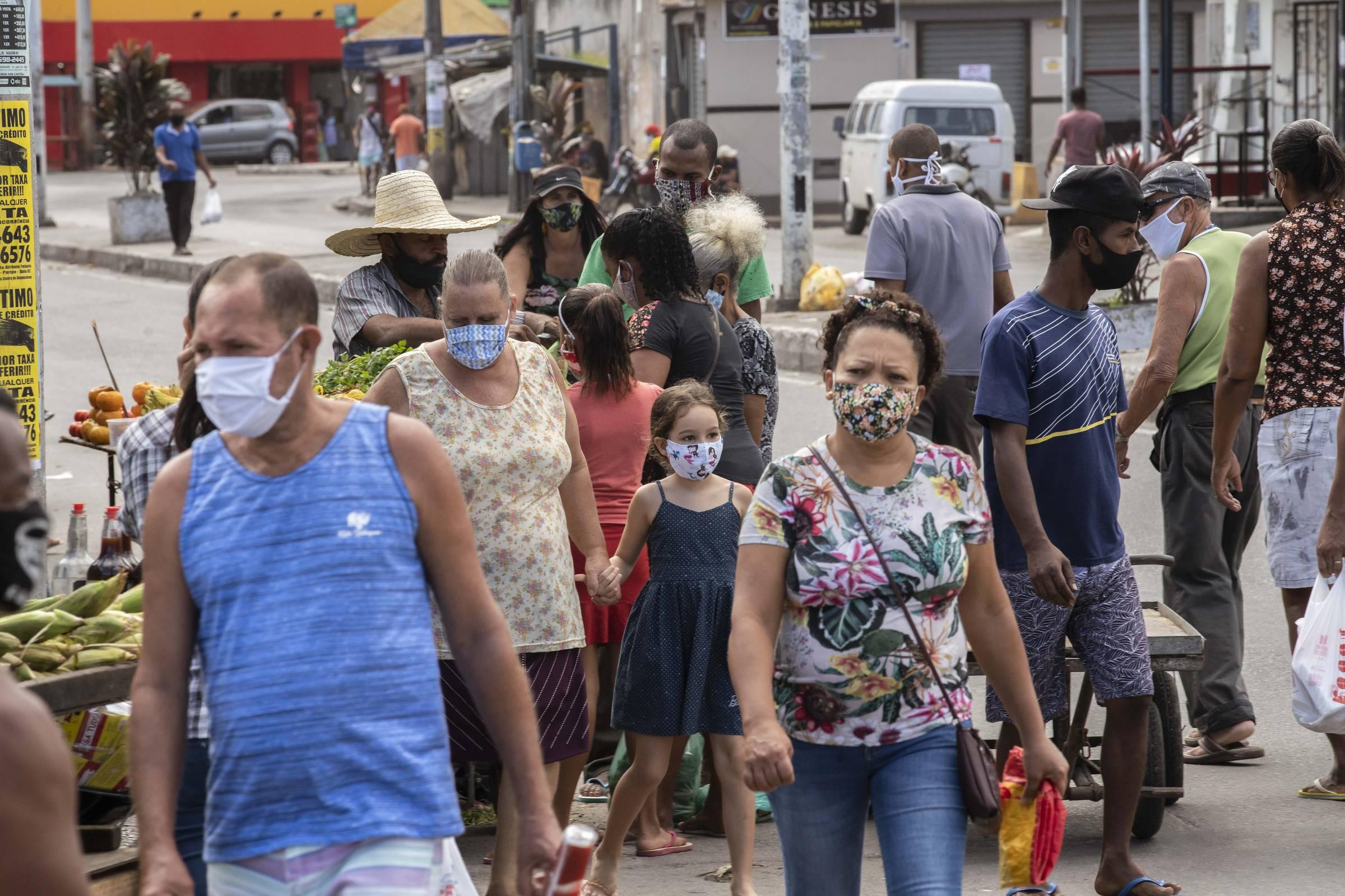 Ocupação de leitos de UTI para Covid-19 cai em 16 estados – Folha de S.Paulo