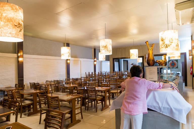 Bares e restaurantes se adaptaram para a reabertura, mas movimento ainda é fraco
