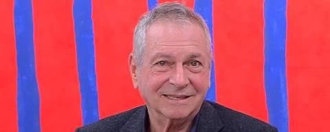 2015 - O escritor dramaturgo Antonio Bivar concede entrevista no Metrópolis  sobre sua biografia da infância até o trinta. (Foto: Youtube / Reproducao)