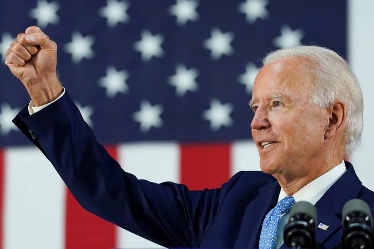 O candidato democrata à Presidência dos EUA, Joe Biden, responde a perguntas da imprensa durante evento em Wilmington, Delaware