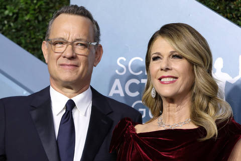 FILE PHOTO: 26th Screen Actors Guild Awards ? Arrivals ? Los Angeles, California, U.S., January 19, 2020 ? Tom Hanks and Rita Wilson. REUTERS/Monica Almeida/File Photo ORG XMIT: FW1