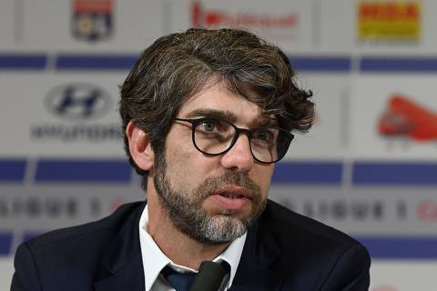 Olympique Lyonnais Brazilian sports director Juninho speaks during the official presentation of Brazilian midfielder Thiago Mendez on July 3, 2019, at the Groupama Stadium in Decines-Charpieu near Lyon, central-eastern France. - French club Lyon on July 3, 2019 completed the signing of Brazilian midfielder Thiago Mendes. Mendes, 27, was signed from Lyon's Ligue 1 rivals Lille for a fee reported to be 25 million euros. (Photo by PHILIPPE DESMAZES / AFP) ORG XMIT: 6992