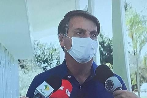 Bolsonaro contrai coronavírus após minimizar pandemia