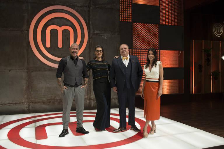 Os jurados Henrique Fogaça, Paola Carosella e Erick Jacquin e a apresentadora Ana Paula Padrão