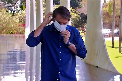 Bolsonaro se lança como exemplo vivo de campanha de negação da pandemia