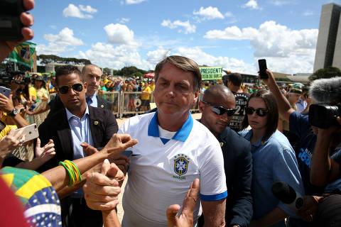 Além de Bolsonaro, Covid já infectou ao menos outros 46 na cúpula política; veja os nomes