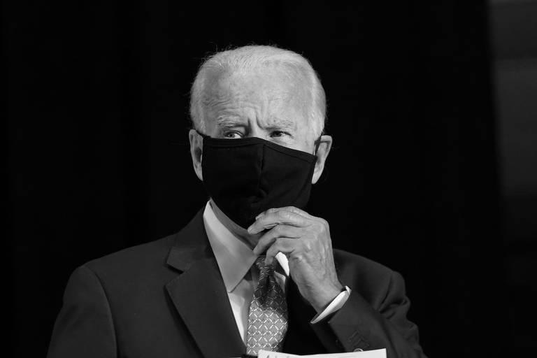 O candidato democrata à Presidência dos EUA, Joe Biden, responde a perguntas da imprensa durante evento em Wilmington, em Delaware