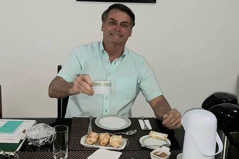Viverei ainda por muito tempo, diz Bolsonaro ao defender uso de remédio sem efeito comprovado