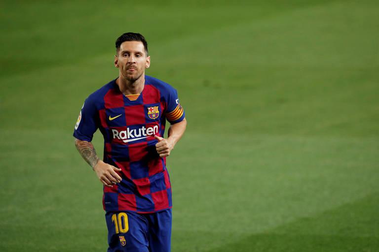 Lionel Messi em campo pelo Barcelona, na partida contra o Espanyol, no Camp Nou