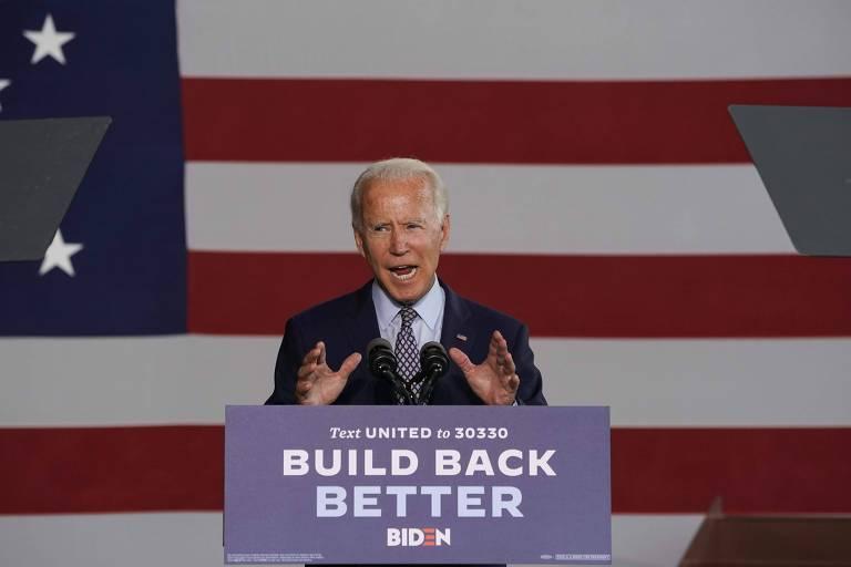 """Joe Biden apresenta seu plano econômico, """"Build Back Better"""" (reconstruir melhor), durante discurso a trabalhadores de uma fábrica em Dunmore, na Pensilvânia"""