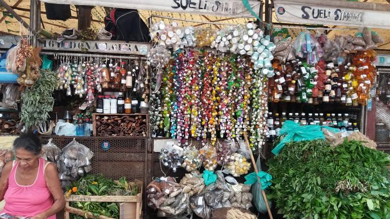 Garrafadas no mercado Ver-o-Peso, em Belém