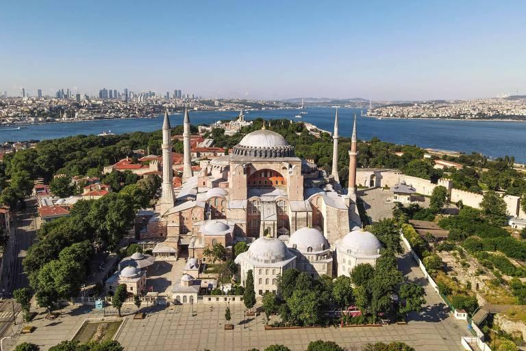 Vista do museu da catedral de Hagia Sophia, em Sultanahmet, coração da antiga Constantinopla