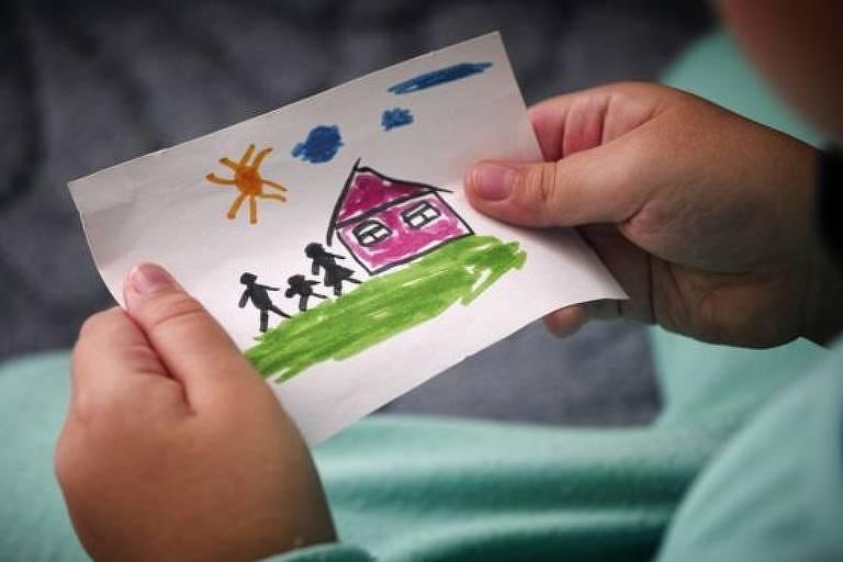 Casal de SP é condenado a pagar R$ 150 mil a garoto por devolvê-lo após adoção