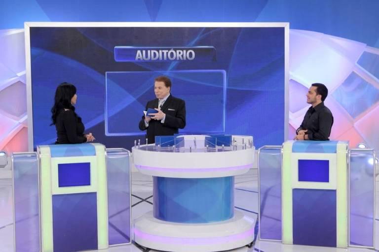 No 'Programa Silvio Santos' deste domingo, 12 de julho, o apresentador recebe a cantora Gretchen e seu filho Thammy Miranda no 'Jogo das 3 Pistas'