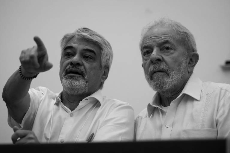 Humberto Costa e Lula durante reunião do diretório nacional do PT (Partido dos Trabalhadores), em São Paulo